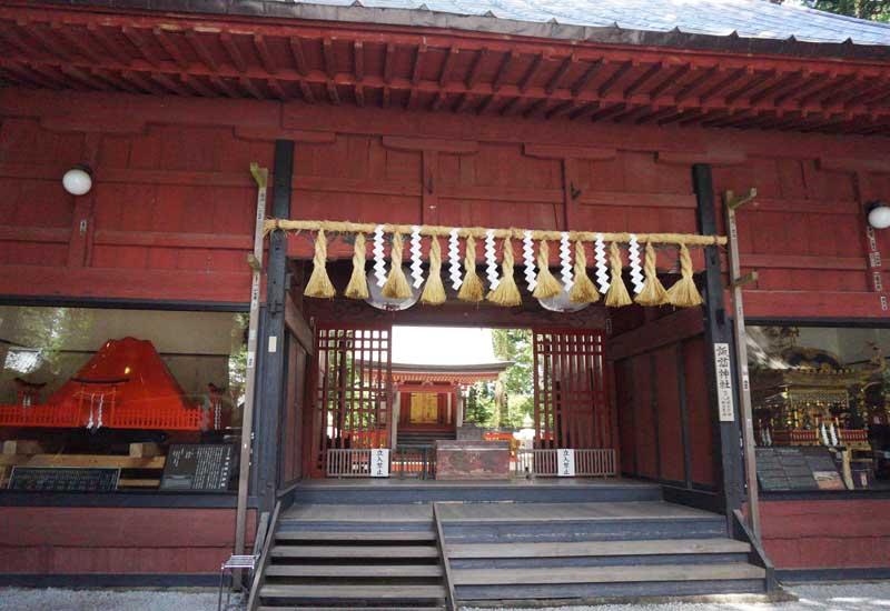 北口本宮冨士浅間神社 摂社 諏訪拝殿