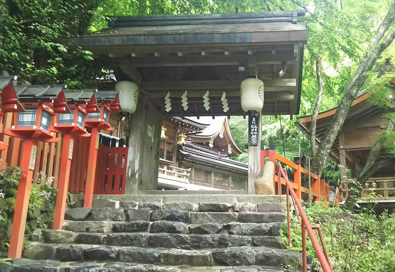 貴船神社 楼門